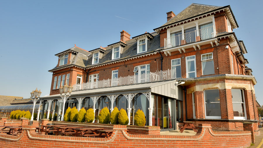 Eating out in Oulton Broad - Wherry Hotel