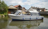 Christmas day boat hire with out 10 seater day cruiser from Wroxham