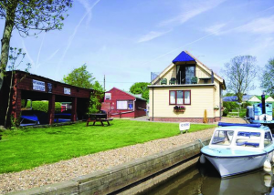 Houseboats and lodges